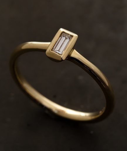 0.1ct Bagguet Cut Diamond K18 Gold Ring [Limited]